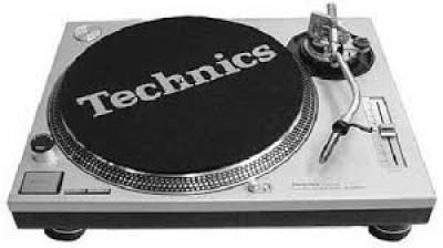 Technics Turntable SL-1210MK2