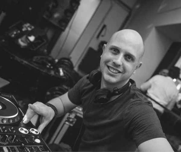 DJ-DAVES.png